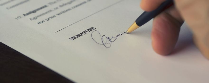 Υπογραφή σύμβασης εργασίας