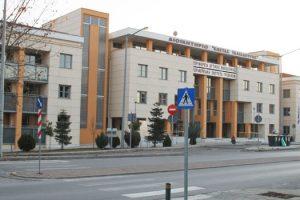 απαγόρευση στάθμευσης μπροστά στο Διοικητήριο Γρεβενών