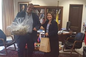 Η πρέσβης Σλοβακίας επισκέφθηκε τον Αντιπεριφερειάρχη Γρεβενών